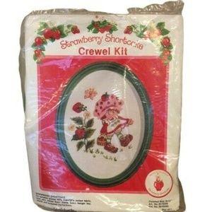 Strawberry Shortcake Lee Wards Crewel Kit